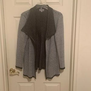 Black and gray jacket